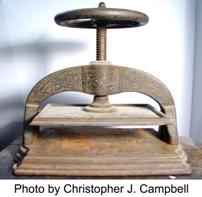 Cast iron bookpress
